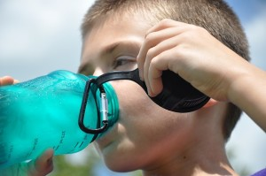Por qué es importante hidratarse en verano