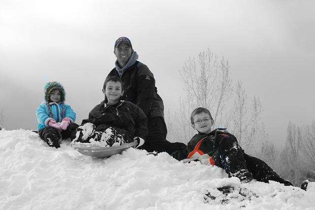 Beneficio del buen tiempo en la práctica del deporte en familia