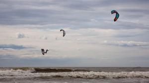 las-mejores-playas-divertidas-para-hacer-kitesurf