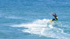 las-mejores-playas-geniales-para-hacer-kitesurf