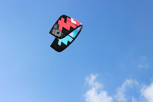 las-mejores-playas-para-hacer-deporte-de-kitesurf