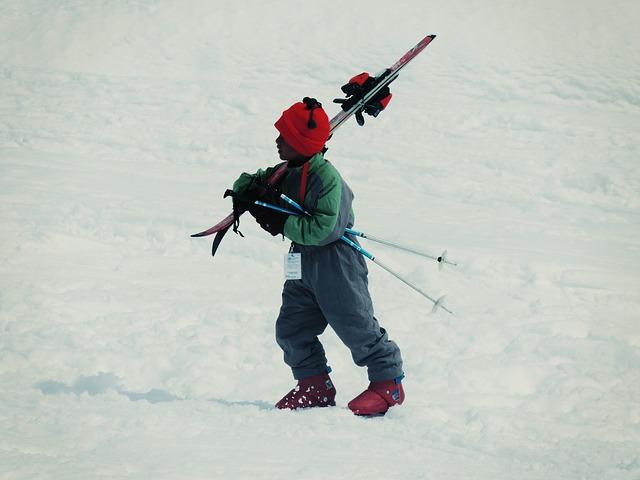 Material de esquí para niños