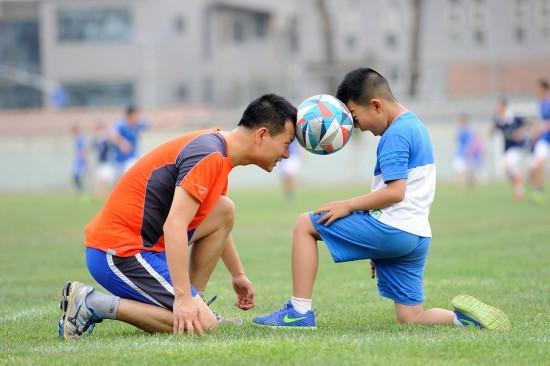 Deporte para niños en Barcelona en junio-pciones en Familia-futbol