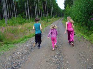 Runing con niños-niñas