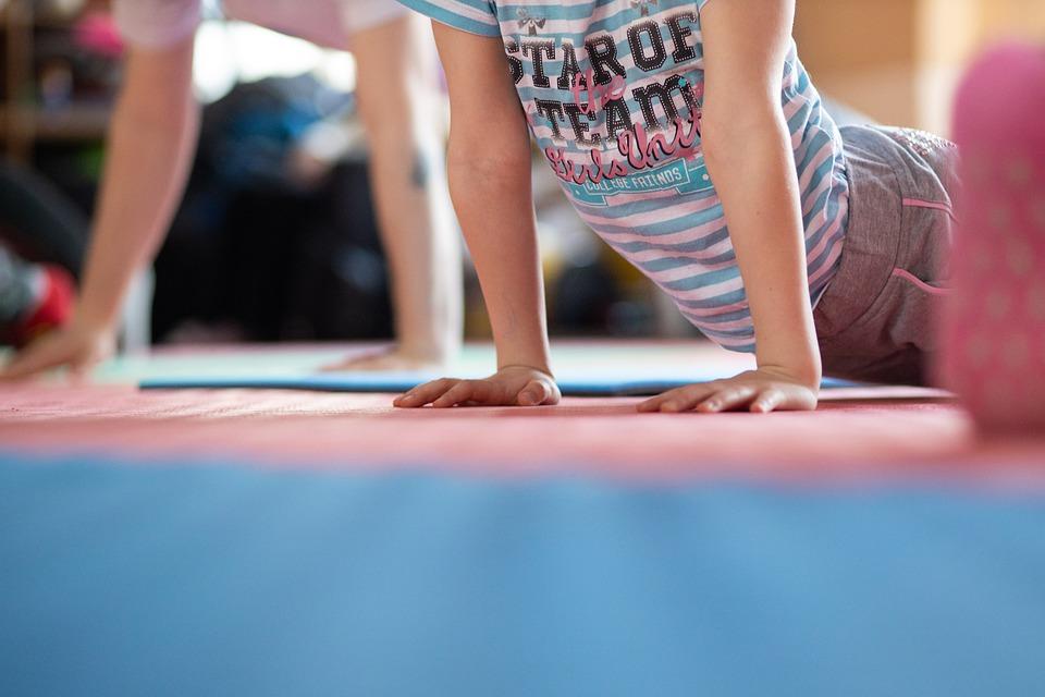 Beneficios del ejercicio físico para el coronavirus-yoga