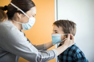 Cómo evitar que tus hijos se contagien del covid-mascarilla